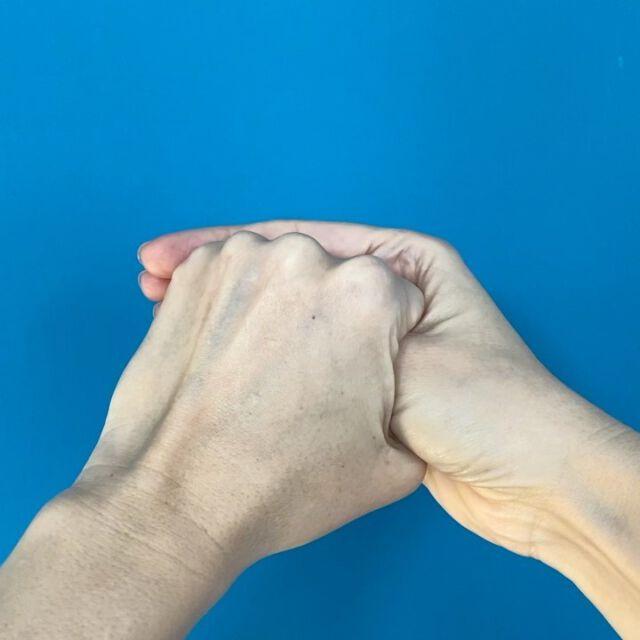 Fingerqigong bei Sorge 🤍   Depression, Hass, Besessenheit, Ängstlichkeit, Selbstschutz  Entspannen und der Einstellung bewusst werden Im Sitzen, stehen oder liegen … wie man es mag Jede Übung ein paar Minuten Rechts und links anwenden Für die tägliche Anwendung Morgens vor dem Aufstehen, tagsüber oder abends vor dem Schlafen Löst Spannungen, aktiviert, belebt  Wir freuen uns über euer Feedback 🤍  #aufmerksamkeit #übung #täglich #meister #gesundheit #socialentrepreneurship #change #transformation #inspiration #learning #wellbeing #9to90habit #bodyandmindtogether #qilabs #qitime